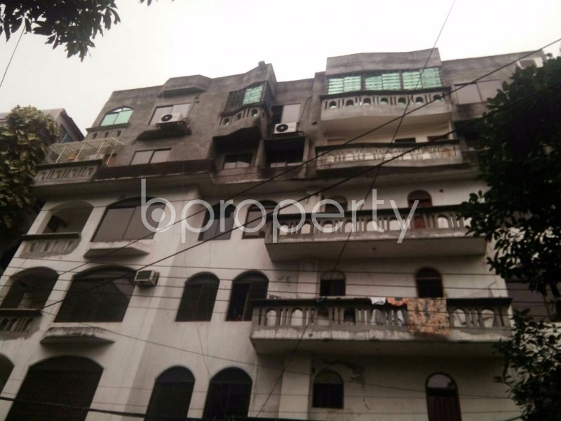 Image 1 - 4 Bed Apartment to Rent in Baridhara DOHS, Dhaka - 1686816