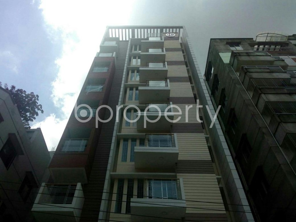 Front view - 3 Bed Apartment for Sale in Bashundhara R-A, Dhaka - 1808656