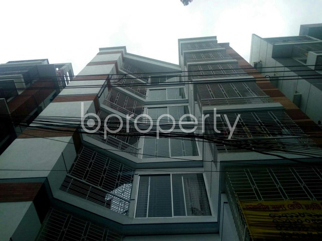 Front view - 3 Bed Apartment for Sale in Bashundhara R-A, Dhaka - 1811035