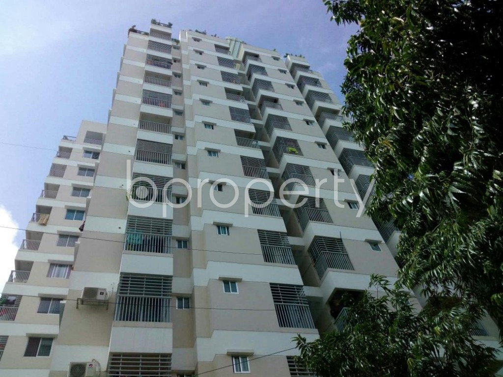 Front view - 3 Bed Apartment for Sale in 33 No. Firingee Bazaar Ward, Chattogram - 1811969