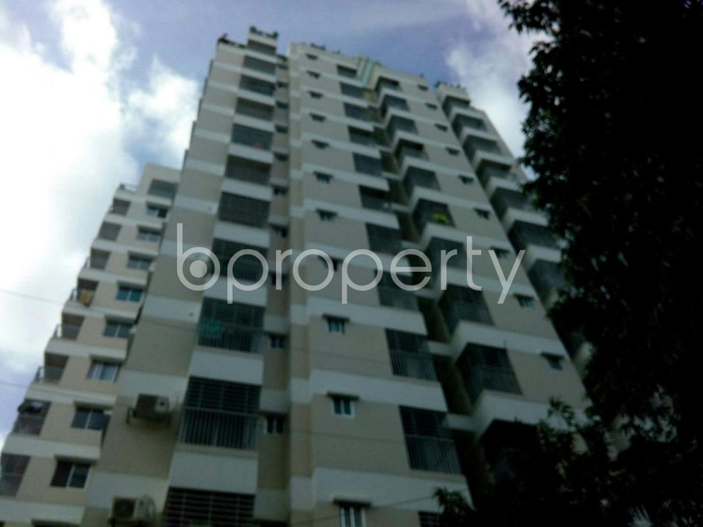 Front view - 3 Bed Apartment for Sale in 33 No. Firingee Bazaar Ward, Chattogram - 1811974