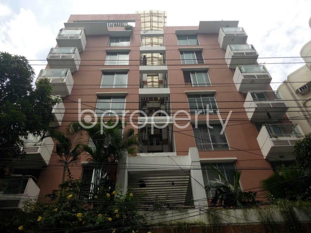 Front view - 3 Bed Apartment to Rent in Gulshan, Dhaka - 1813030