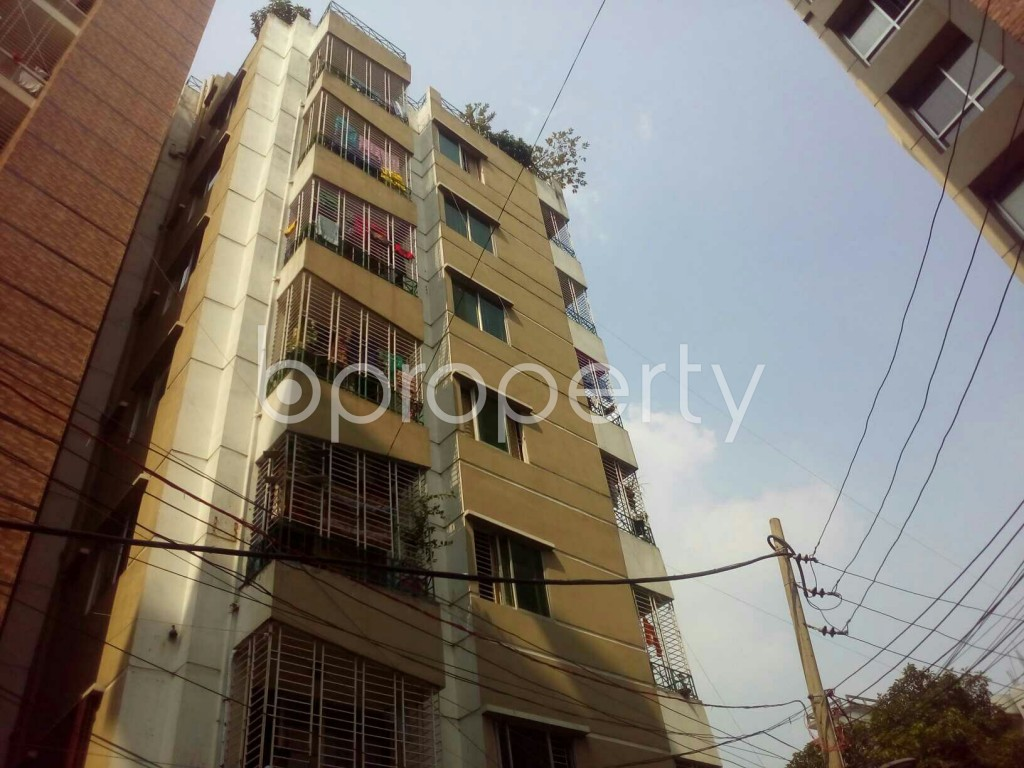 At East Goran 1000 Square Feet Flat Is Available For Sale Close To
