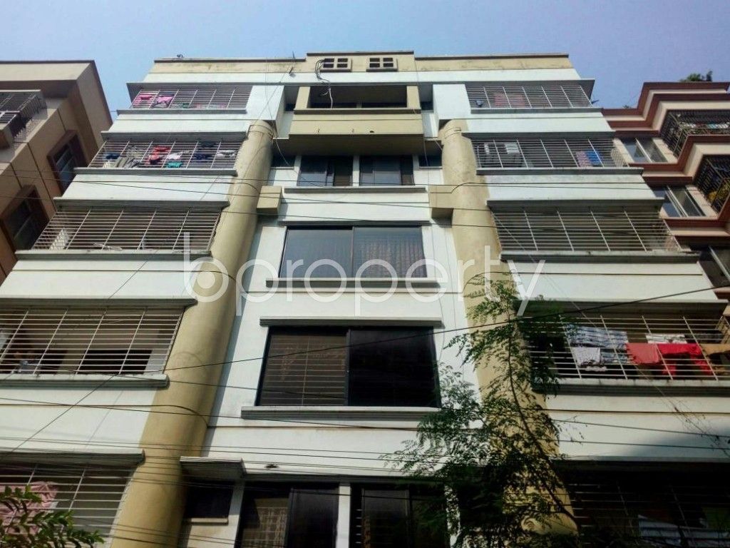 Front view - 3 Bed Apartment for Sale in Bashundhara R-A, Dhaka - 1827346