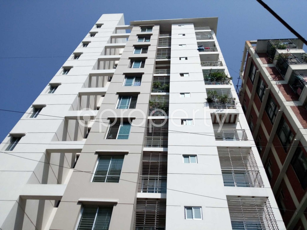 Front view - 3 Bed Apartment for Sale in 33 No. Firingee Bazaar Ward, Chattogram - 1831206