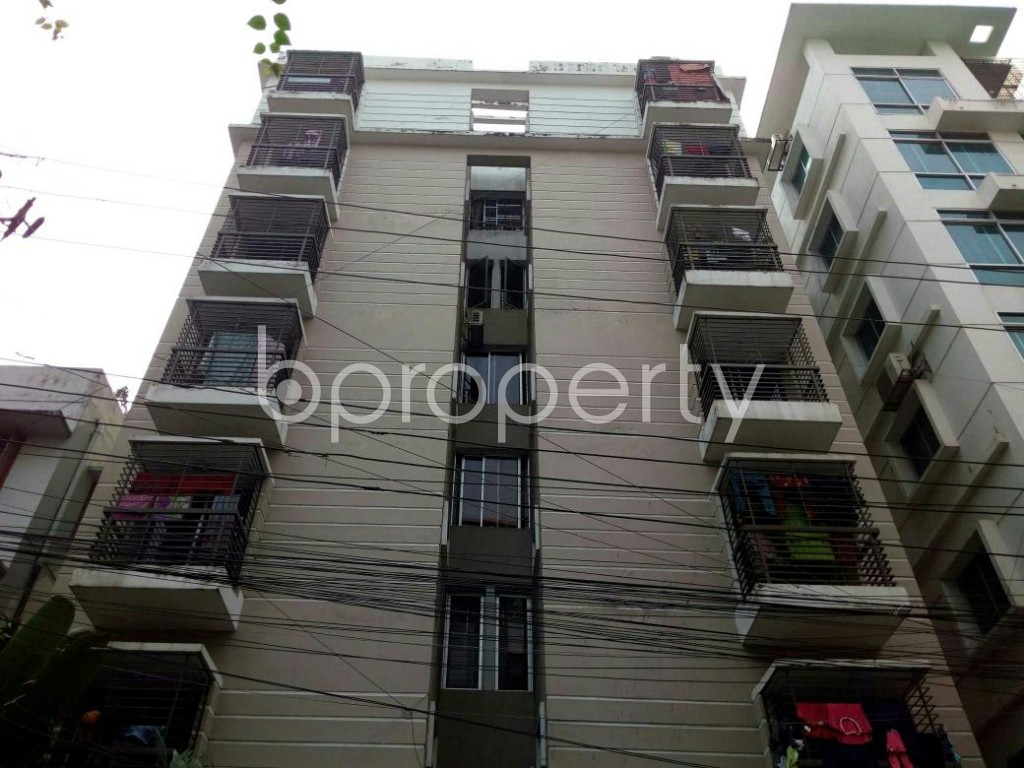 Front view - 4 Bed Apartment to Rent in Lalmatia, Dhaka - 1832847