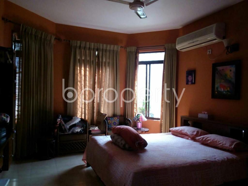 Bedroom - 3 Bed Apartment for Sale in Dhanmondi, Dhaka - 1834519