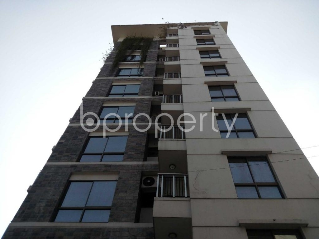 Front view - 4 Bed Apartment to Rent in Gulshan, Dhaka - 1835376