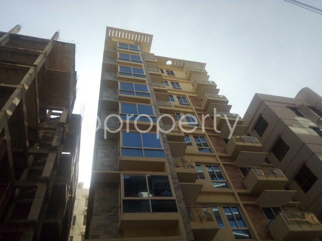 Front view - 4 Bed Apartment to Rent in Baridhara, Dhaka - 1836973