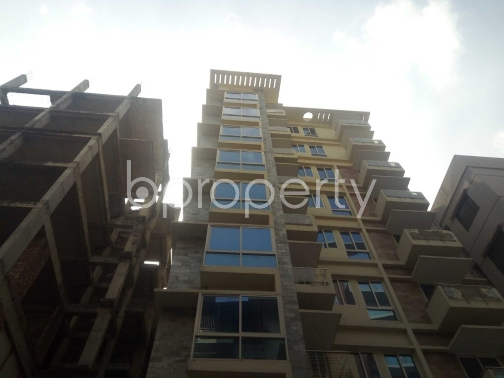 Front view - 4 Bed Apartment to Rent in Baridhara, Dhaka - 1837320
