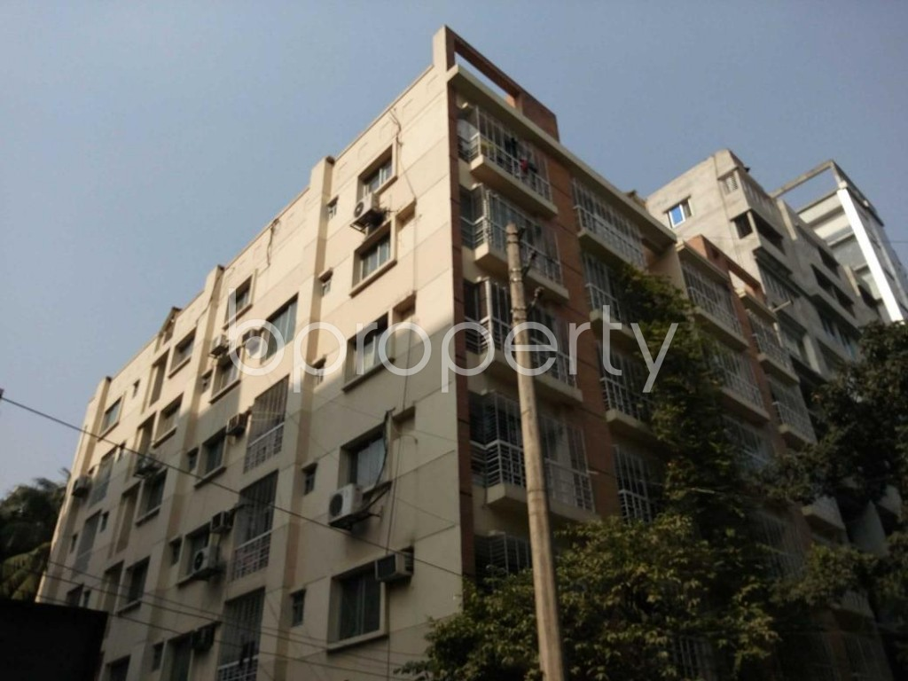 Outside view - 3 Bed Apartment to Rent in Banani, Dhaka - 1837512