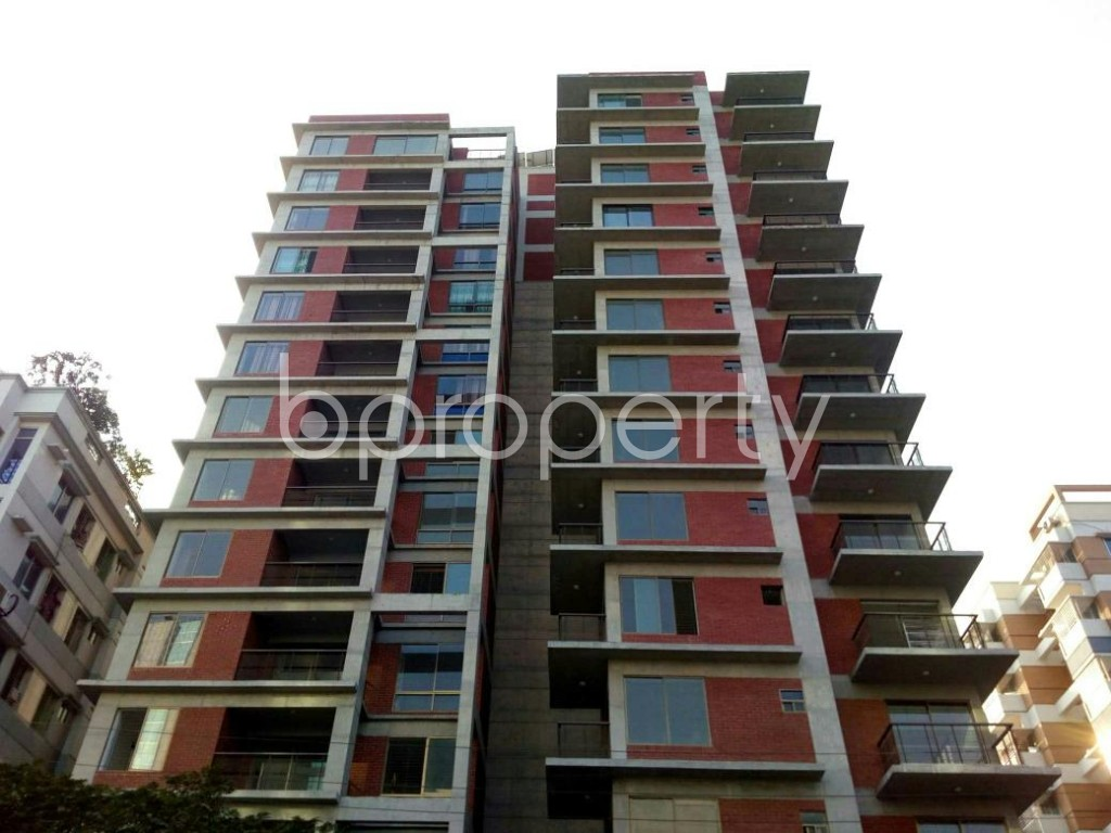 Front view - 3 Bed Apartment for Sale in Bashundhara R-A, Dhaka - 1837949