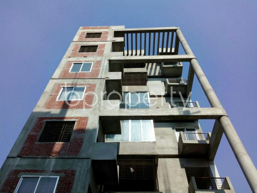 Front view - 3 Bed Apartment for Sale in Bashundhara R-A, Dhaka - 1838229