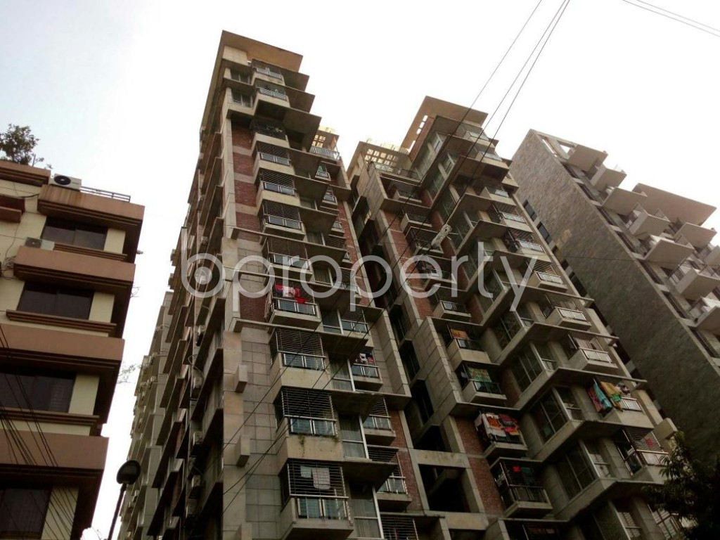 Outside view - 3 Bed Apartment to Rent in Dhanmondi, Dhaka - 1838390