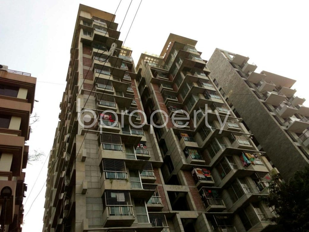 Outside view - 3 Bed Apartment to Rent in Dhanmondi, Dhaka - 1838391