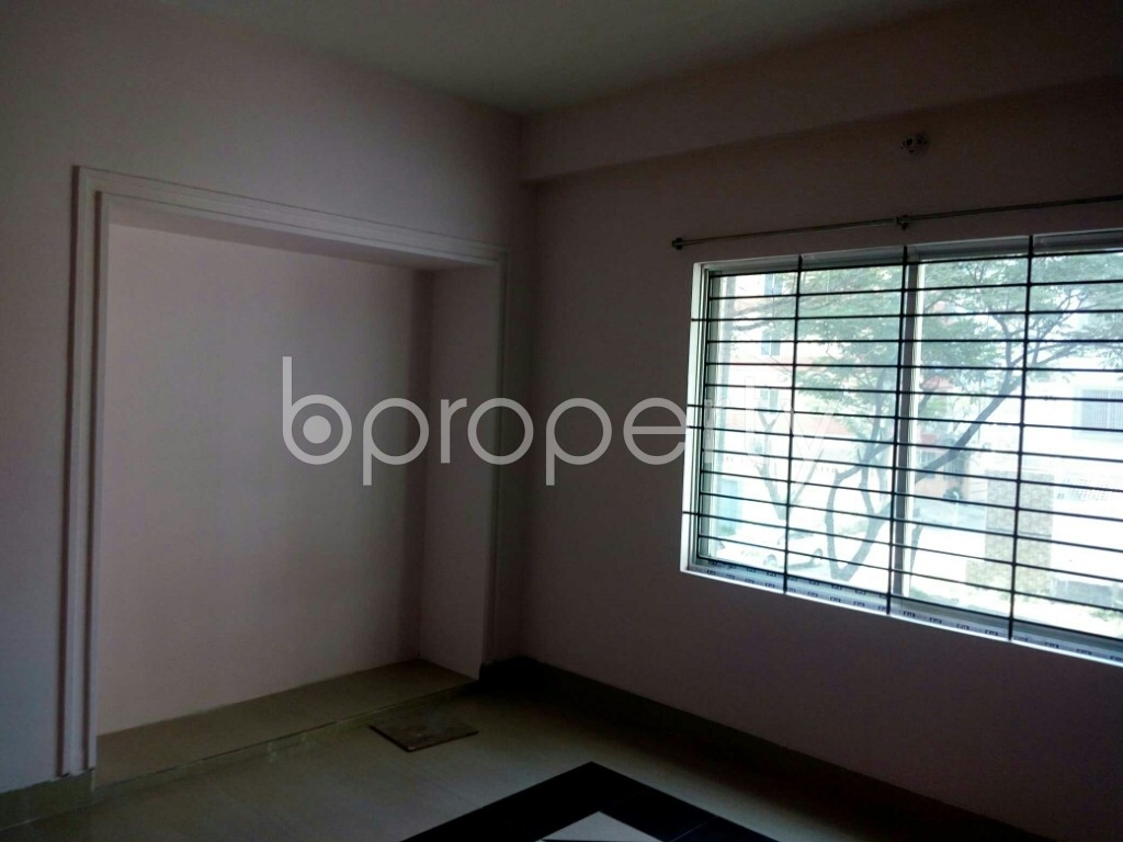 Empty Room - 3 Bed Apartment to Rent in Bashundhara R-A, Dhaka - 1838820