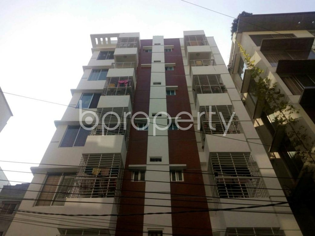 Front view - 3 Bed Apartment to Rent in Bashundhara R-A, Dhaka - 1838846