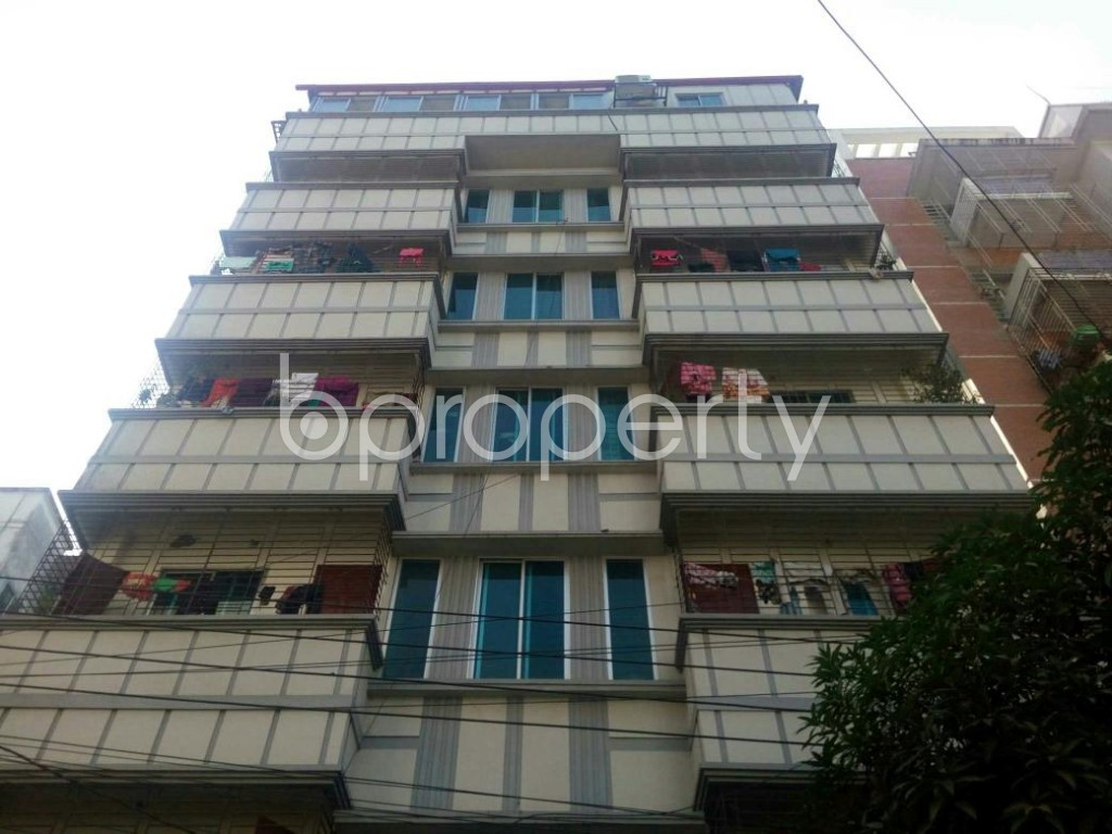 Front view - 3 Bed Apartment to Rent in Bashundhara R-A, Dhaka - 1838898