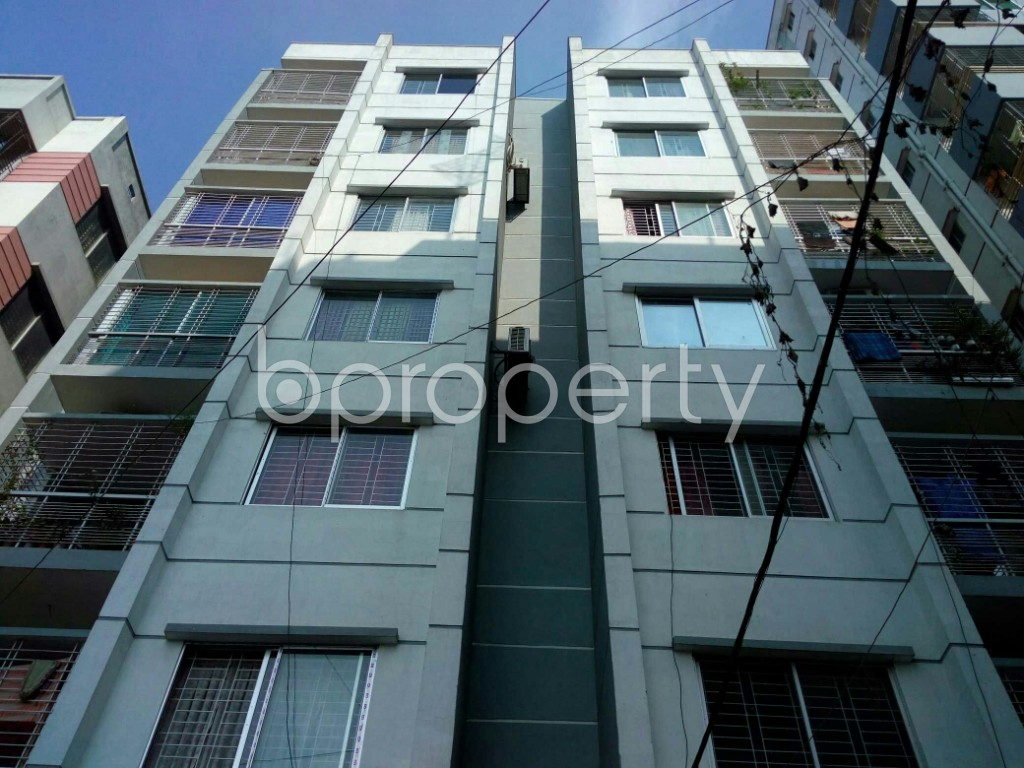 Front view - 3 Bed Apartment to Rent in Mohammadpur, Dhaka - 1838917