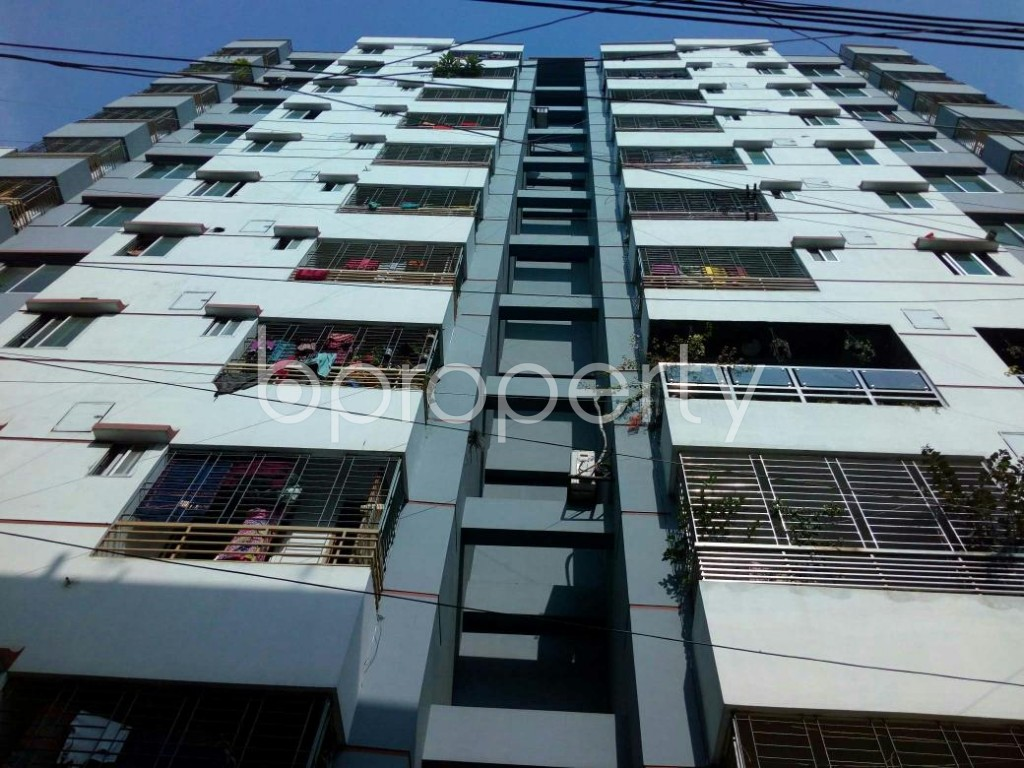 Front view - 3 Bed Apartment to Rent in Mohammadpur, Dhaka - 1838924