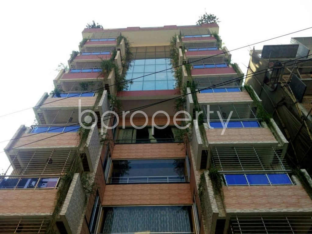 Front view - 4 Bed Apartment to Rent in Bashundhara R-A, Dhaka - 1838973