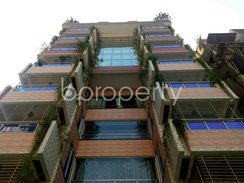 Front view - 4 Bed Apartment to Rent in Bashundhara R-A, Dhaka - 1838975