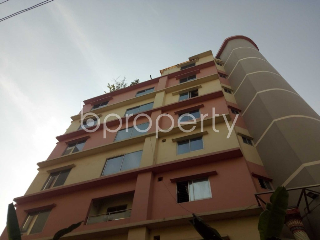 Outside view - 3 Bed Apartment to Rent in Baridhara, Dhaka - 1839286