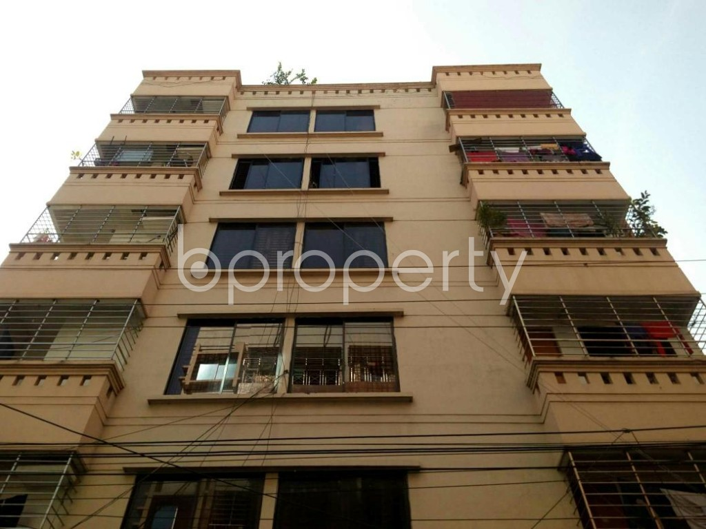 Front view - 3 Bed Apartment to Rent in Bashundhara R-A, Dhaka - 1839314