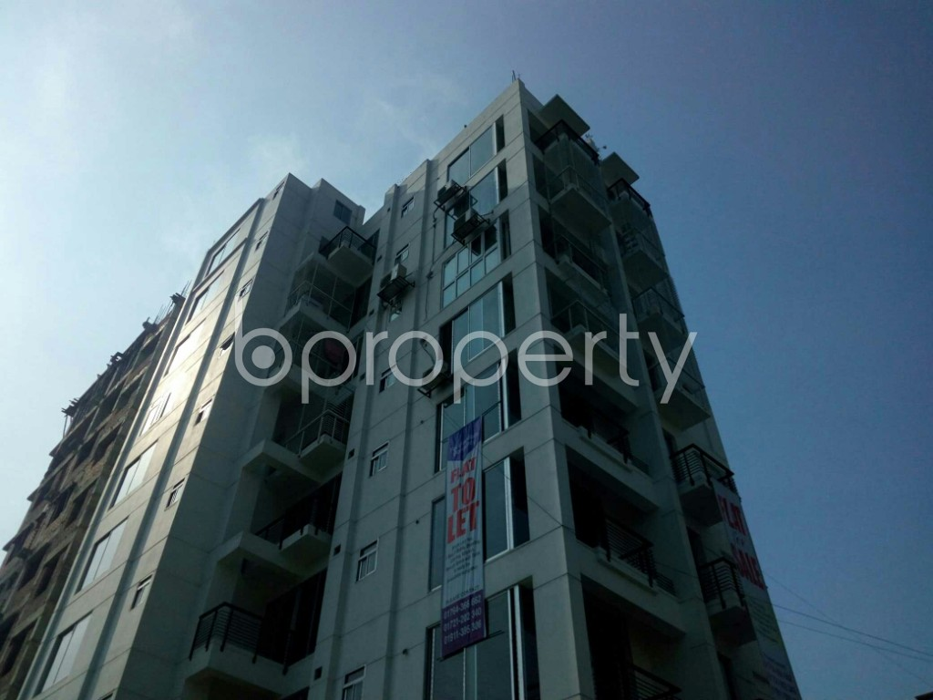 Outside view - 3 Bed Apartment to Rent in Bashundhara R-A, Dhaka - 1839356