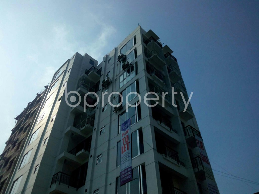 Outside view - 3 Bed Apartment to Rent in Bashundhara R-A, Dhaka - 1839357