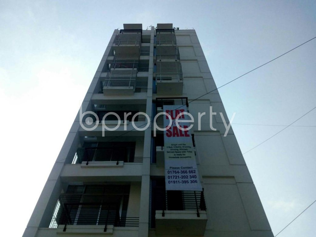 Front view - 3 Bed Apartment to Rent in Bashundhara R-A, Dhaka - 1839358