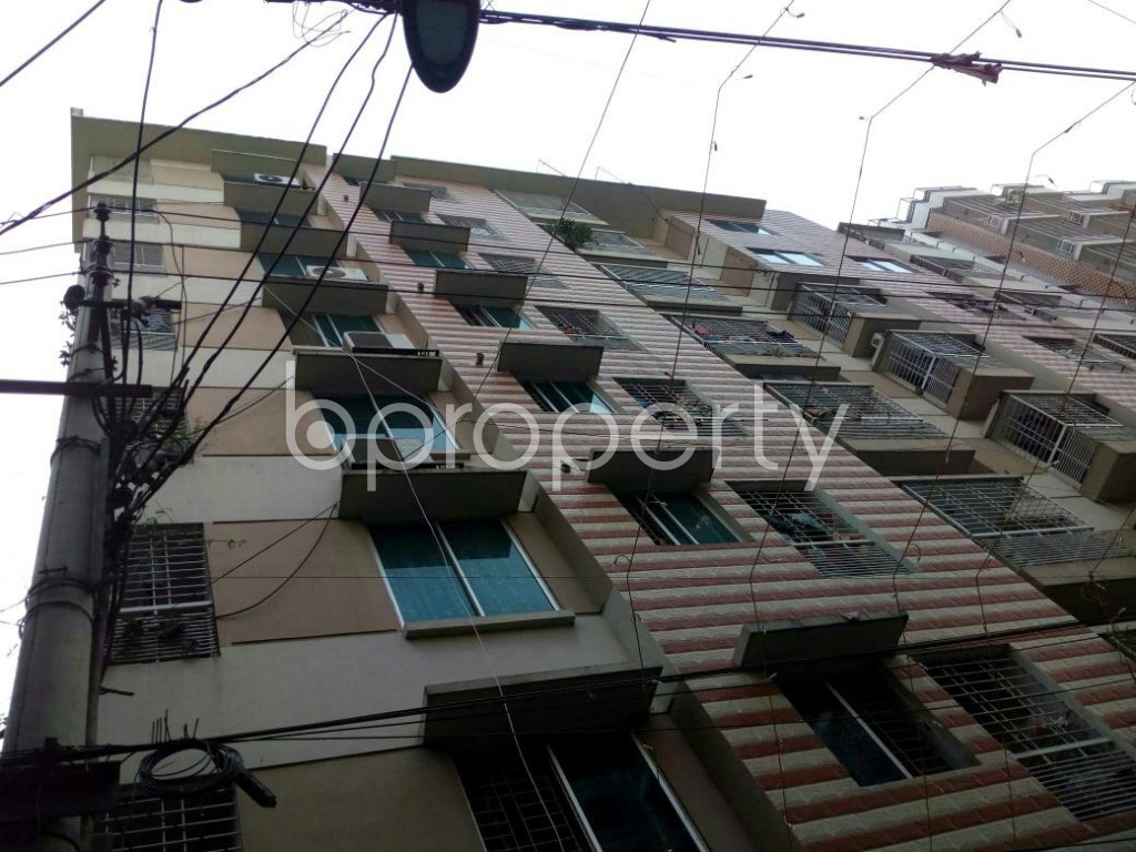Outside view - 3 Bed Apartment to Rent in Dhanmondi, Dhaka - 1839378