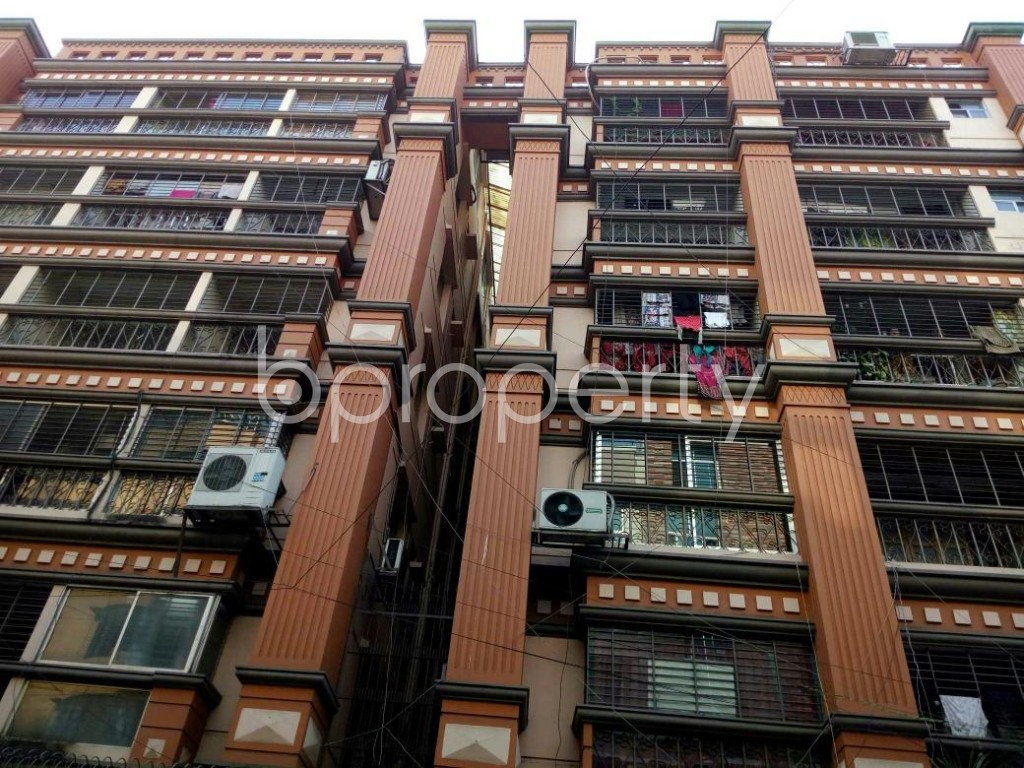 Front view - 4 Bed Apartment to Rent in Dhanmondi, Dhaka - 1839379