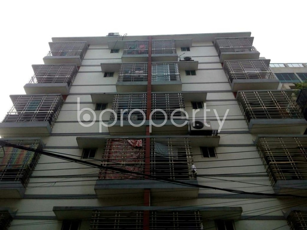 Front view - 3 Bed Apartment to Rent in Bashundhara R-A, Dhaka - 1839393