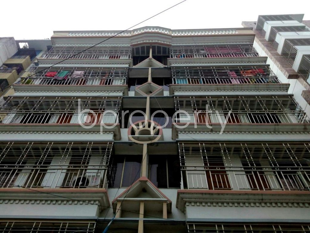 Front view - 3 Bed Apartment to Rent in Bashundhara R-A, Dhaka - 1839431