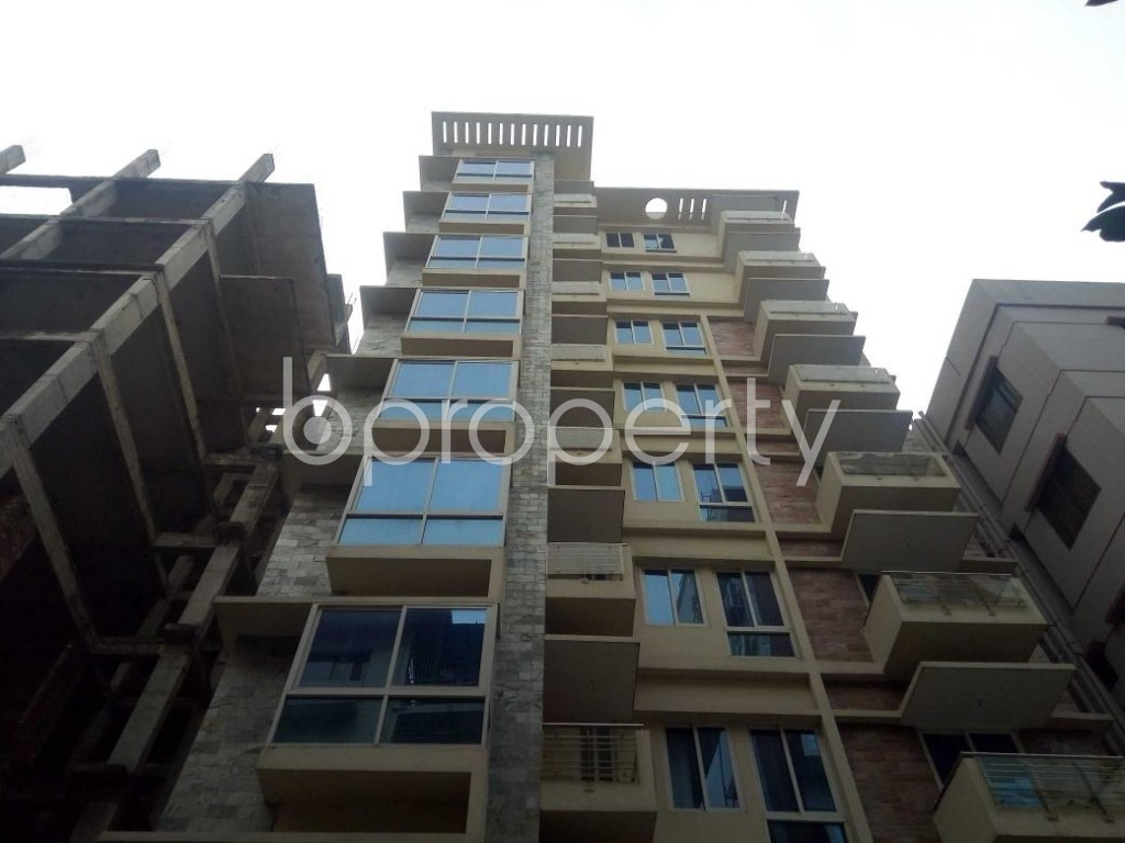 Front view - 4 Bed Apartment to Rent in Baridhara, Dhaka - 1839628