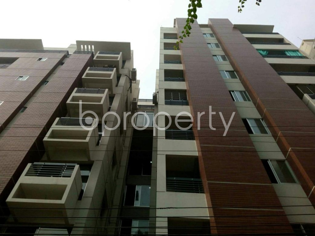 Front view - 4 Bed Apartment to Rent in Bashundhara R-A, Dhaka - 1839737