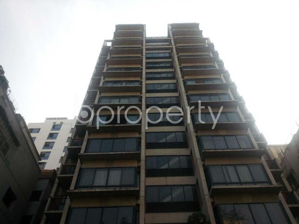 Front view - 3 Bed Apartment for Sale in Banani, Dhaka - 1839820
