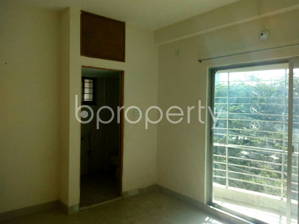 Bedroom - 3 Bed Apartment for Sale in Bashundhara R-A, Dhaka - 1840574