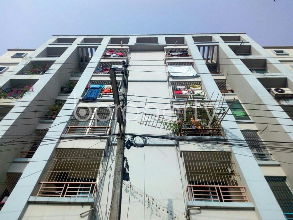 Front view - 3 Bed Apartment for Sale in Bashundhara R-A, Dhaka - 1841545