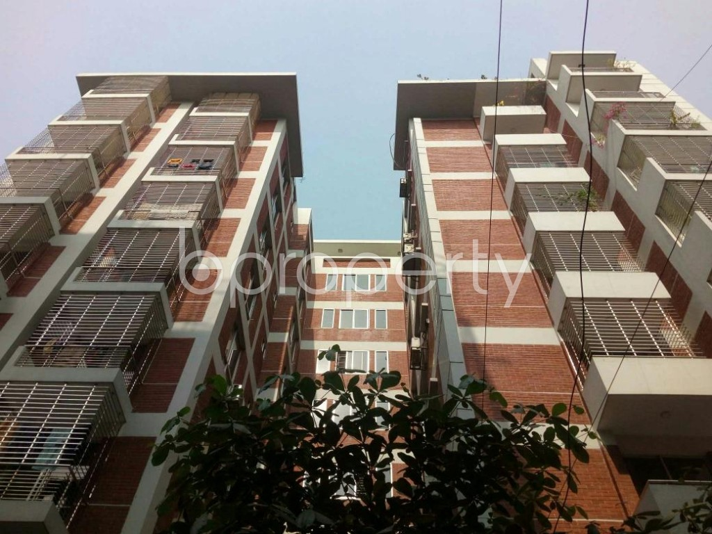 Front view - 3 Bed Apartment for Sale in Bashundhara R-A, Dhaka - 1841546