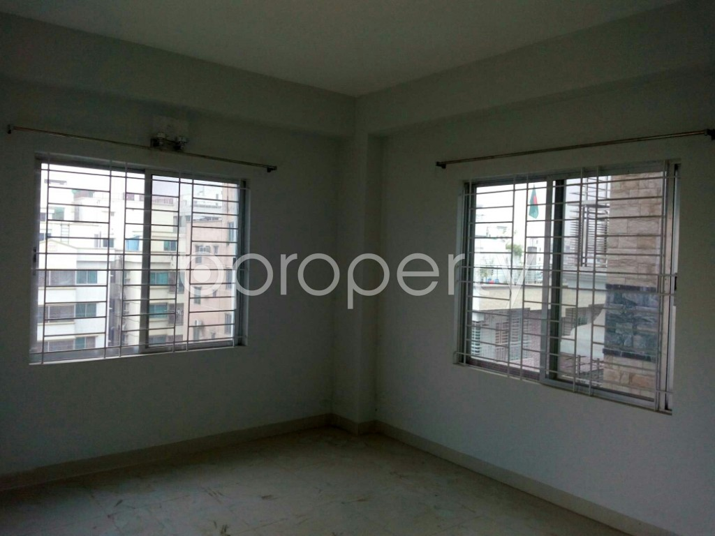 Bedroom - 3 Bed Apartment for Sale in Bashundhara R-A, Dhaka - 1843076