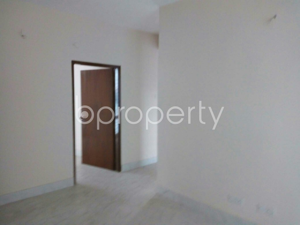 Empty Room - 3 Bed Apartment for Sale in Bashundhara R-A, Dhaka - 1845441