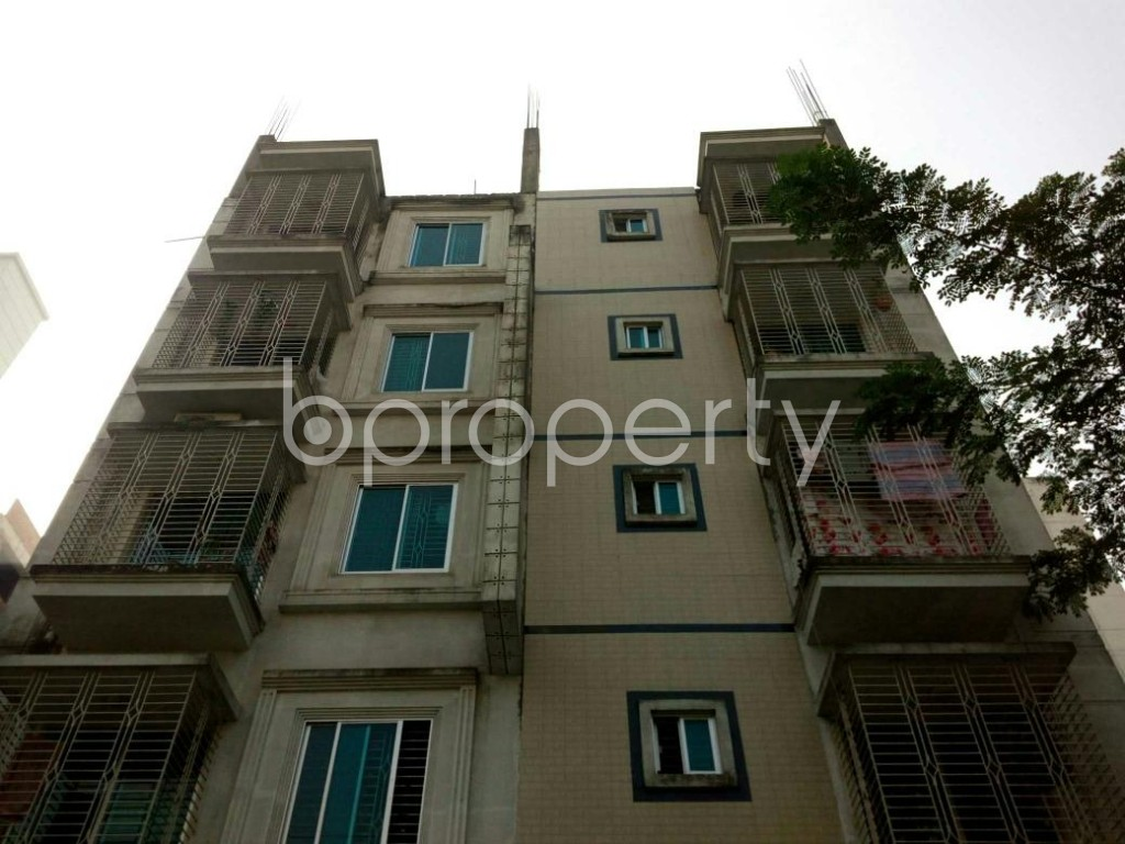 Front view - 3 Bed Apartment to Rent in Bashundhara R-A, Dhaka - 1843131
