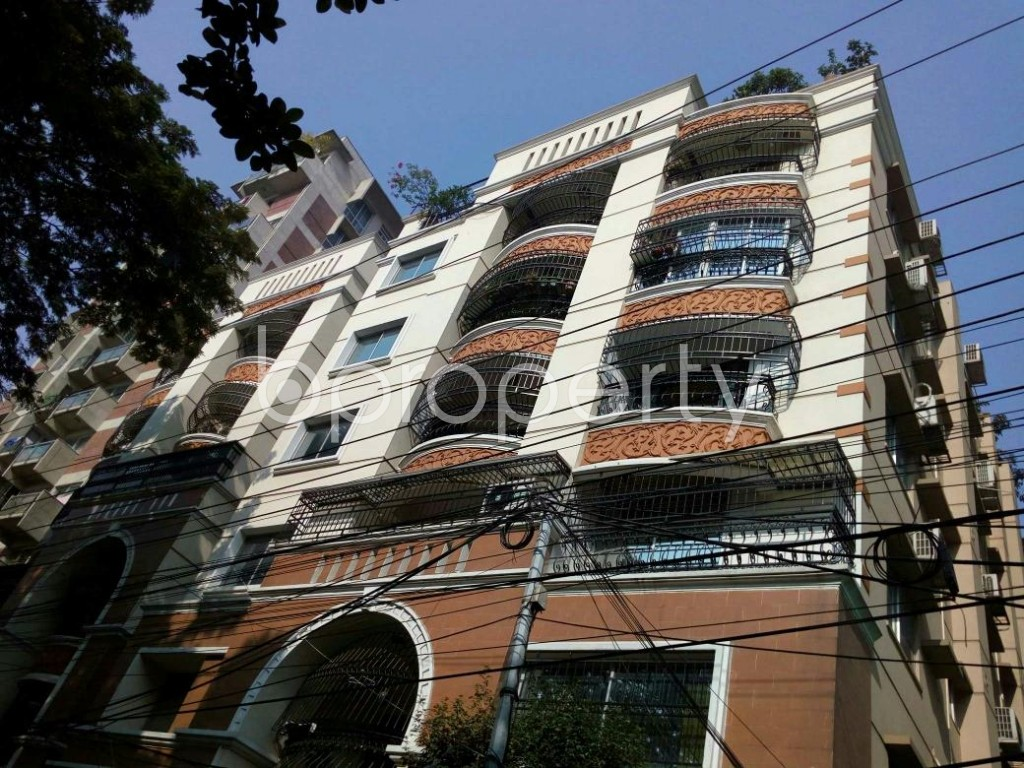 Outside view - 5 Bed Apartment to Rent in Dhanmondi, Dhaka - 1846178