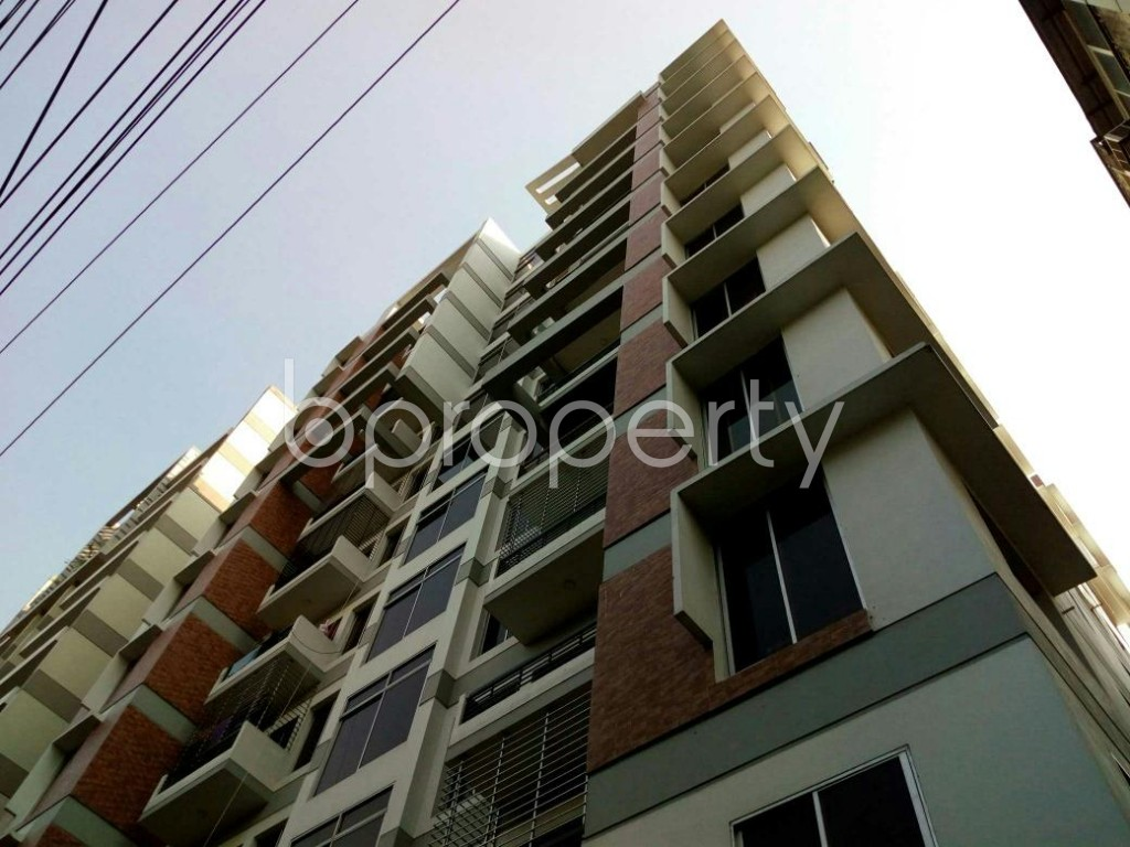 Outside view - 3 Bed Apartment to Rent in Dhanmondi, Dhaka - 1846201