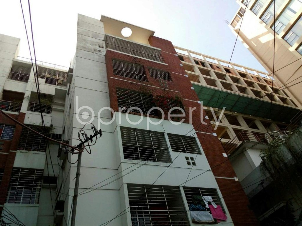 Outside view - 3 Bed Apartment to Rent in Dhanmondi, Dhaka - 1846613