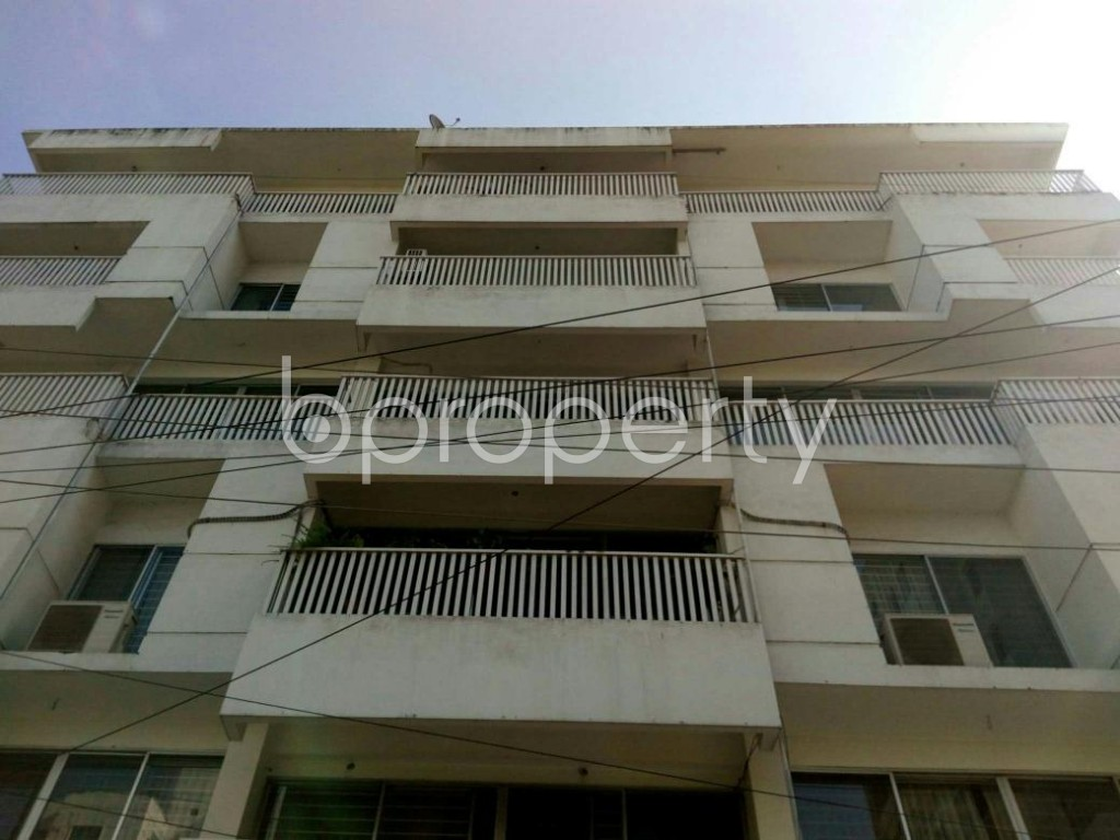 Front view - 4 Bed Apartment to Rent in Bashundhara R-A, Dhaka - 1846704