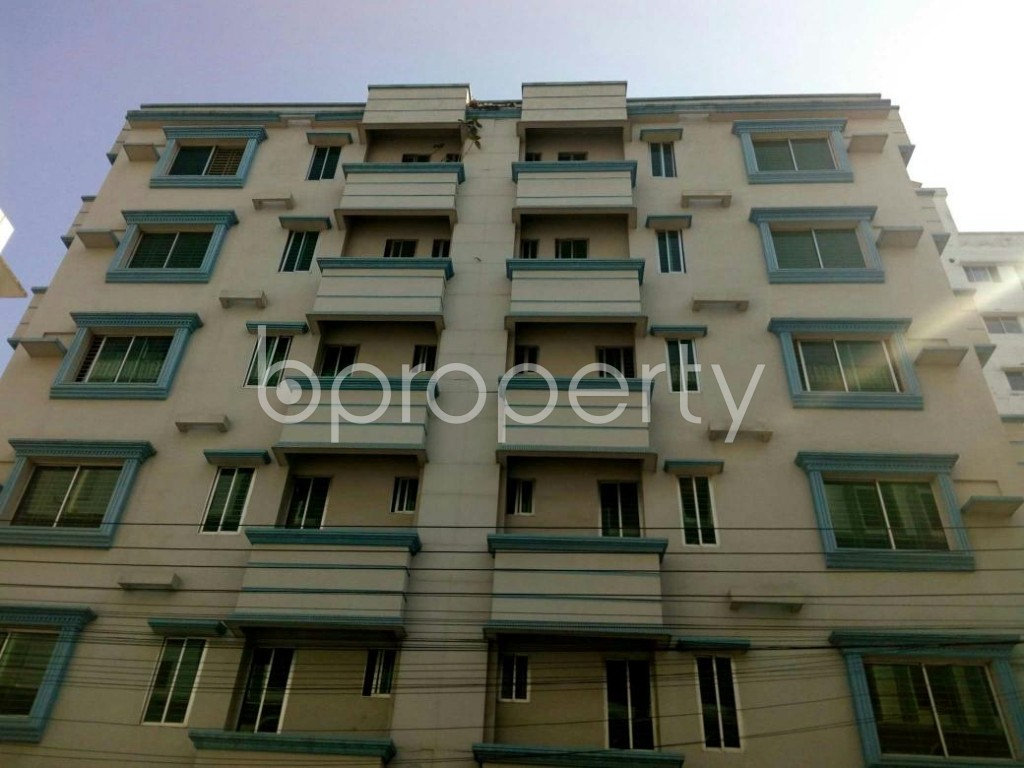 Front view - 3 Bed Apartment to Rent in Bashundhara R-A, Dhaka - 1846742
