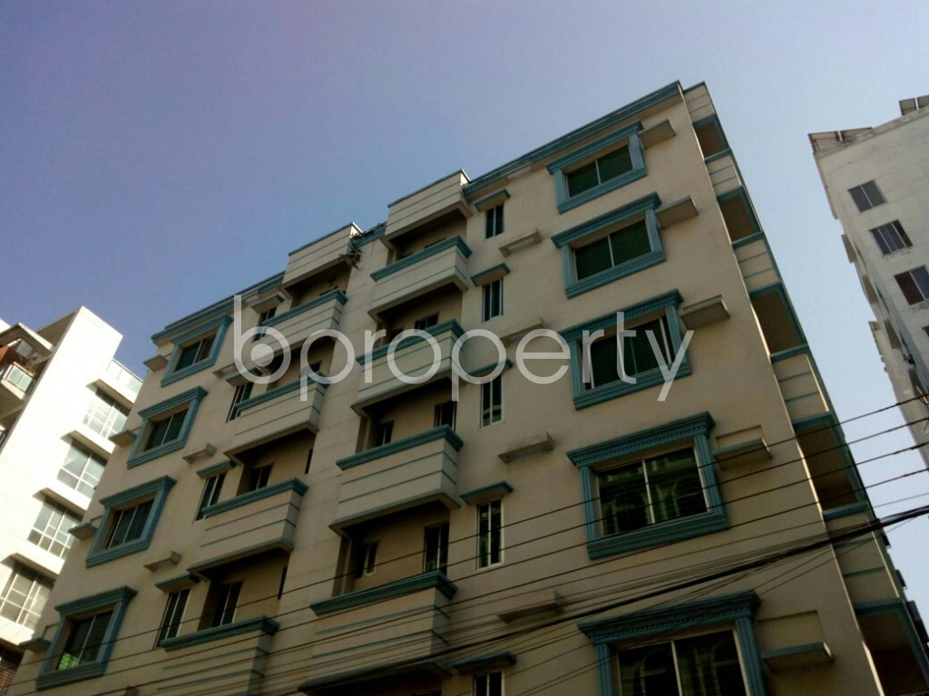 Outside view - 3 Bed Apartment to Rent in Bashundhara R-A, Dhaka - 1846771